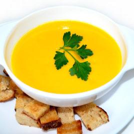 Суп-пюре овощной с сухариками