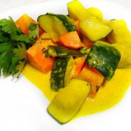 Цукини с морковкой в соусе корма