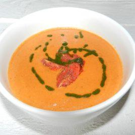 Суп «Томатный из запеченных помидоров из соусом «Песто»