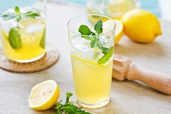 5184x3456_limon-limonad-myata-napitok-stakan-600×400