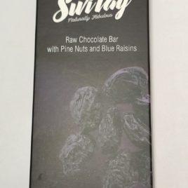 Кэробовый шоколад с орешками и изюмом