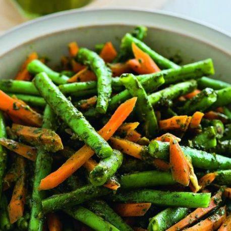 Спаржа с морковью