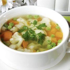 Суп овощной со сметаной